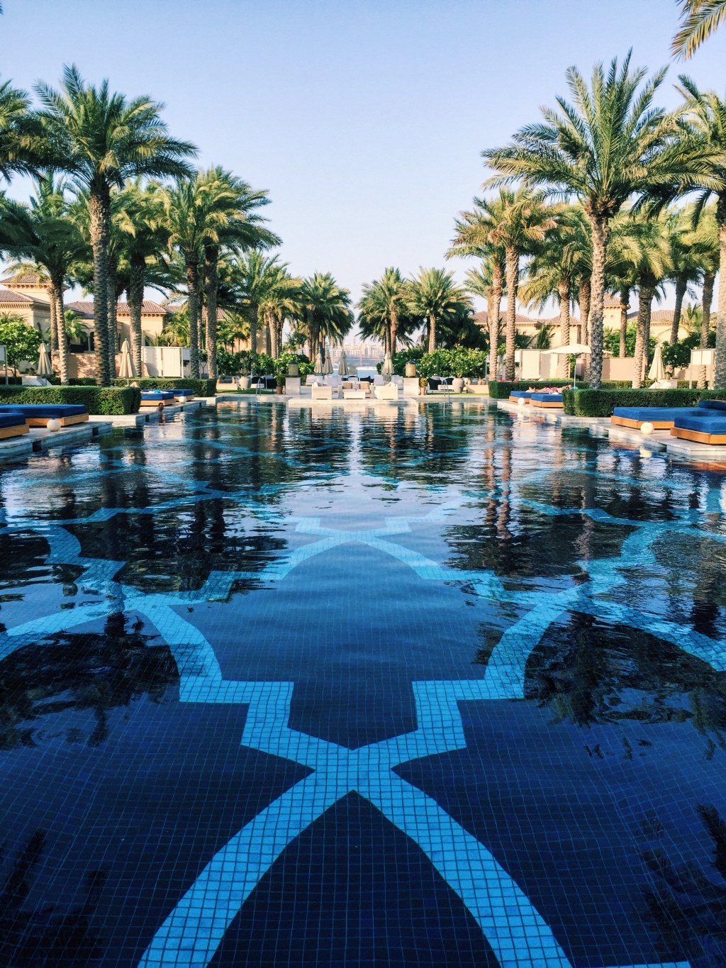 13 most instagrammable swimming pools in dubai george rishan for Hotel with private swimming pool in dubai