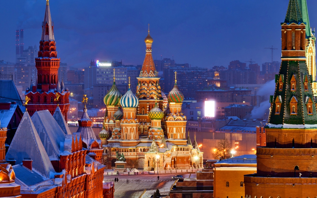 Picture via http://www.mrwallpaper.com/wallpapers/saint-basils-cathedral-moscow.jpg